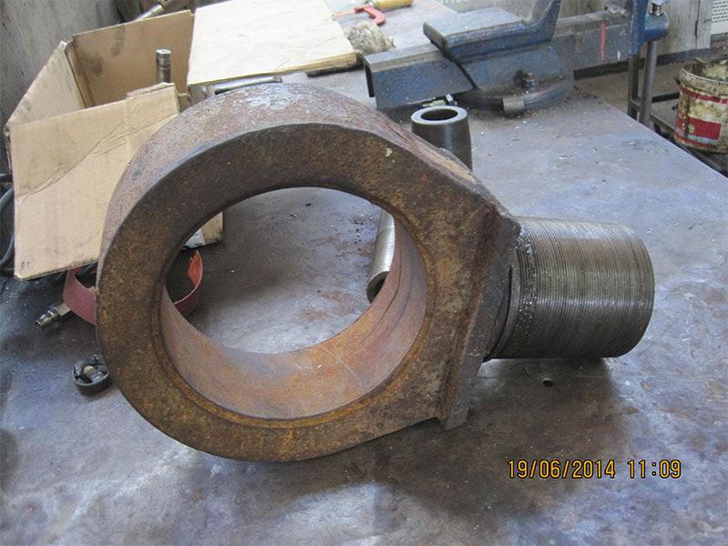 2-deck-hydraulic-cylinders-04