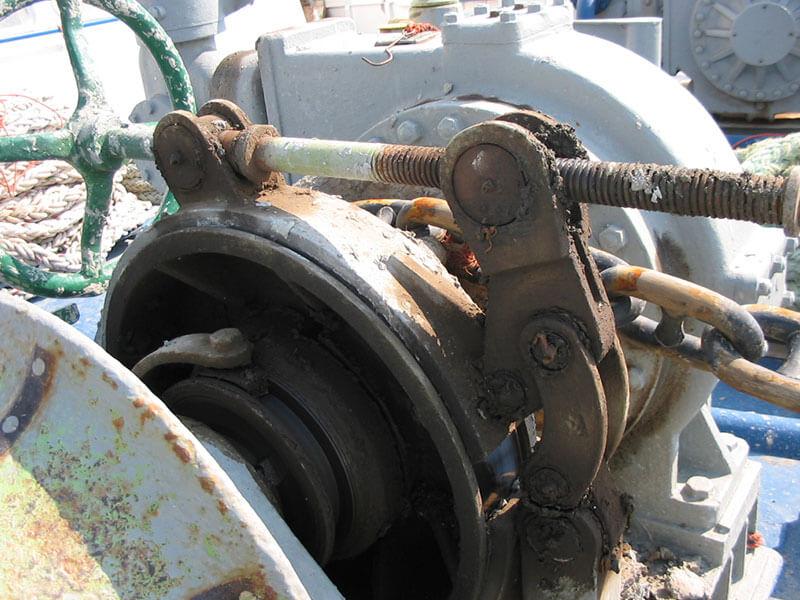 2-deck-windlass-01