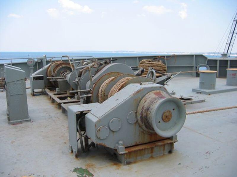 2-deck-windlass-02