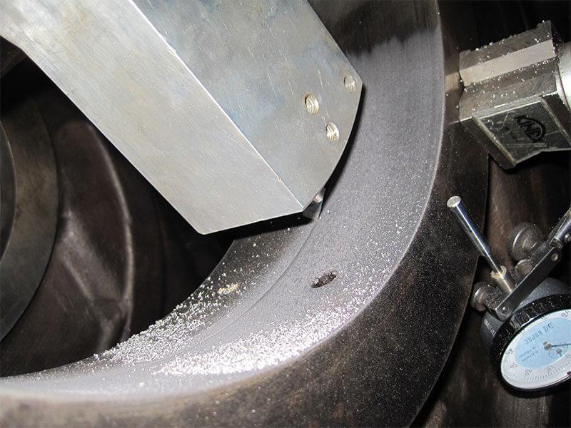 3-disel-engine-in-situ-machining-03